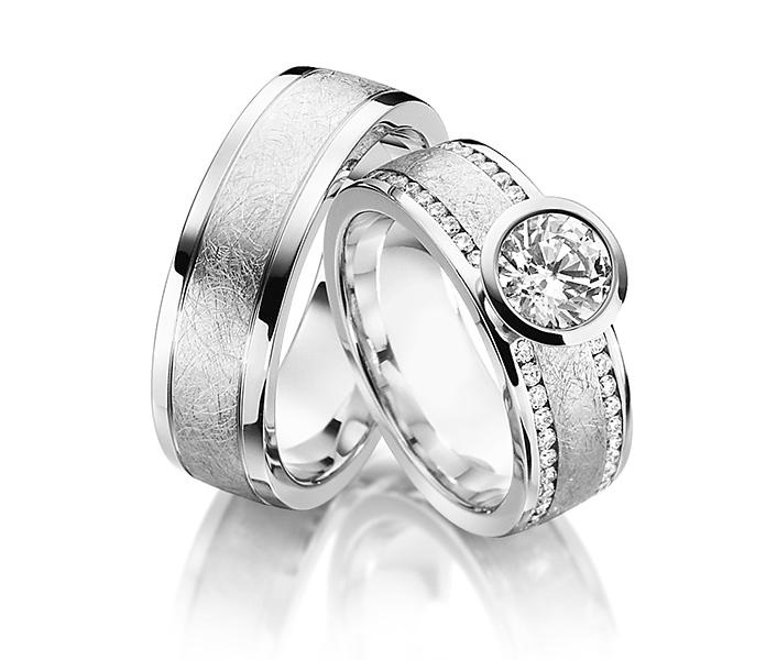 Aliança com Diamantes de Noivado e Casamento