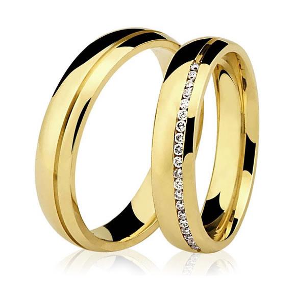 Aliança de Casamento Abaulada com Brilhantes no Centro