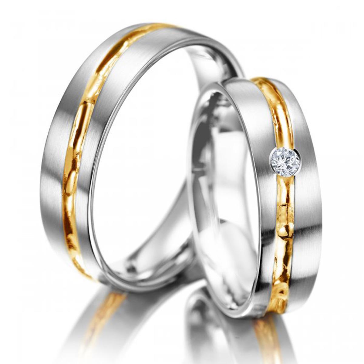 Alian�a de Casamento com Friso Trabalhado em Ouro