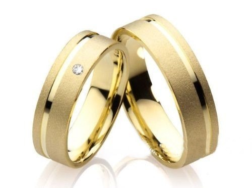 Aliança Noivado ou Casamento Quadrada com Brilhante
