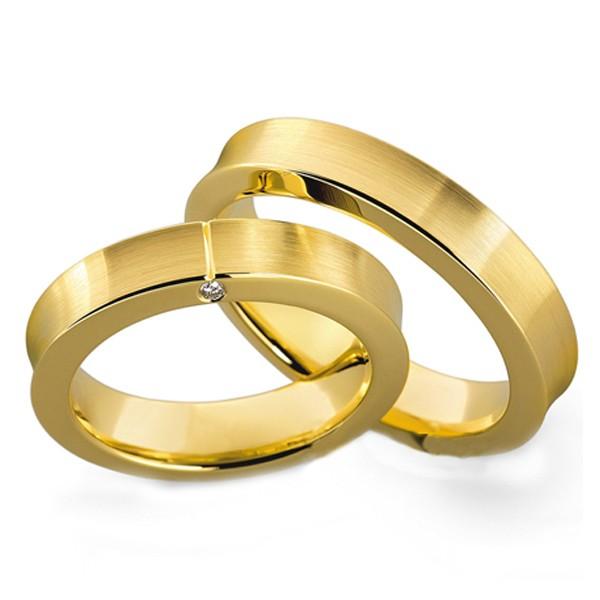 Aliança Pedra na Lateral de Noivado e Casamento