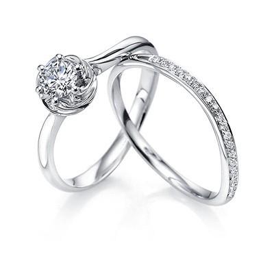 Anel Charm Solit�rio de Noivado e Casamento