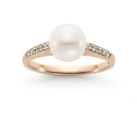 Anel de Pérola Branca com Diamantes Laterais Delicado