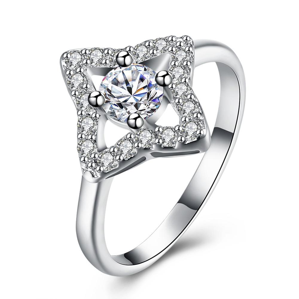 Anel Estrela Guia Com Diamantes Branco