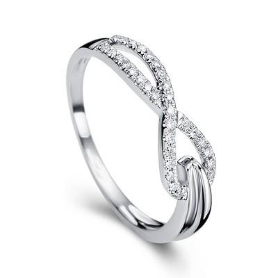 Anel Light Branco Entrela�ado com Diamantes