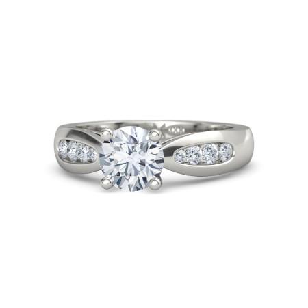 Anel Solitário de Noivado e Casamento com Diamantes Laterais
